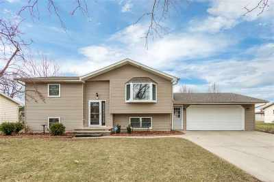 Menasha Single Family Home Active-Offer No Bump: 609 Karen