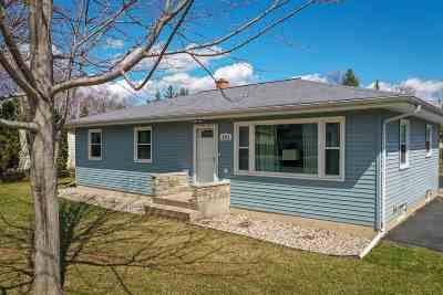 Menasha Single Family Home Active-Offer No Bump: 1413 Bonnie