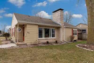 Menasha Single Family Home Active-Offer No Bump-Show: 637 Lakecrest