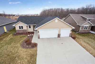 Menasha Single Family Home Active-Offer No Bump: N8983 Spring Valley