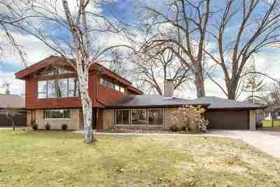 Menasha Single Family Home Active-Offer No Bump: 379 Willow