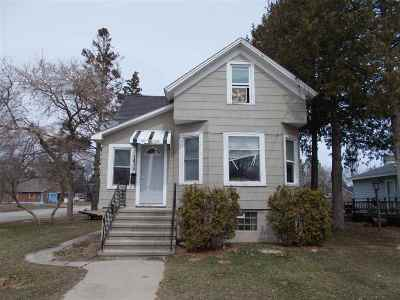 Menominee Single Family Home Active-No Offer: 1416 30th