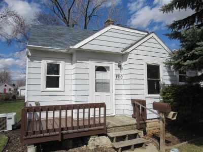 Appleton Single Family Home Active-Offer No Bump: 1710 W Spring