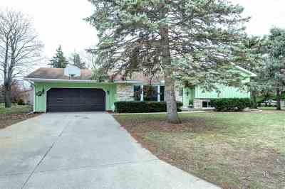 Neenah Single Family Home Active-Offer No Bump: 925 Westfield