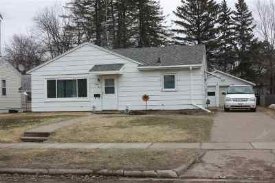 Shawano Single Family Home Active-Offer No Bump-Show: 1108 S Lafayette