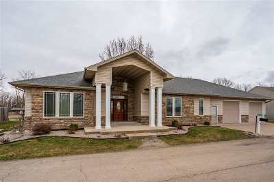 Winneconne Single Family Home Active-Offer W/Bump: 6448 Sunshine Harbour