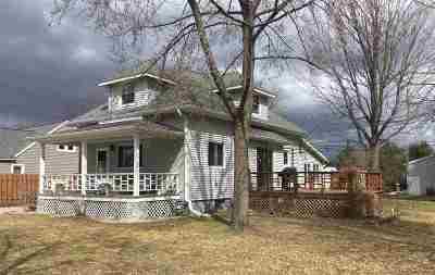Peshtigo Single Family Home Active-Offer W/Bump-Show: 330 S Peck