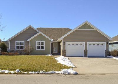 De Pere Single Family Home Active-Offer No Bump: 1466 Lear
