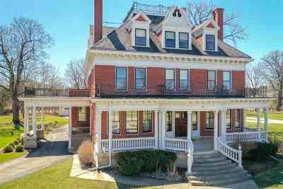 Neenah Single Family Home Active-No Offer: 547 E Wisconsin