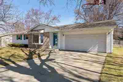 De Pere Single Family Home Active-Offer No Bump: 437 N Good Hope
