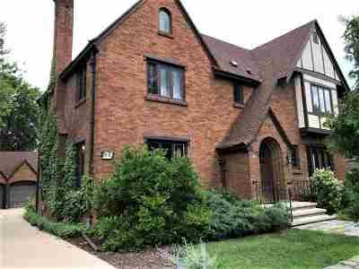 Appleton Single Family Home Active-No Offer: 910 E College