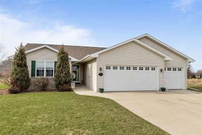 Neenah Single Family Home Active-No Offer: 2515 Grassy