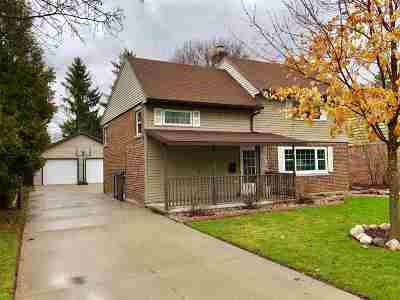 Neenah Single Family Home Active-Offer No Bump: 516 E Cecil