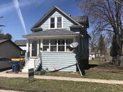 Oshkosh Single Family Home Active-No Offer: 210 E Melvin
