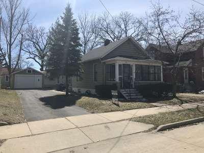 Oshkosh Single Family Home Active-No Offer: 307 W Melvin