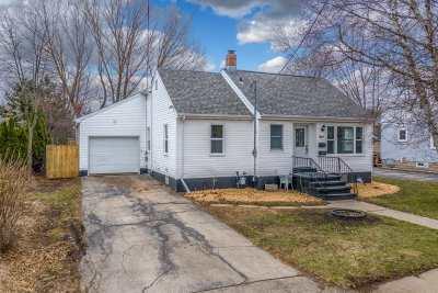 Menasha Single Family Home Active-No Offer: 941 Marquette