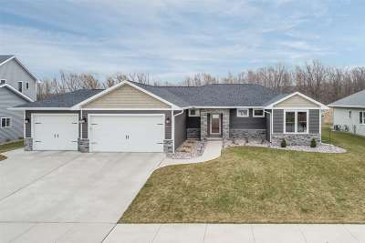 De Pere Single Family Home Active-Offer No Bump: 7810 Altmeyer