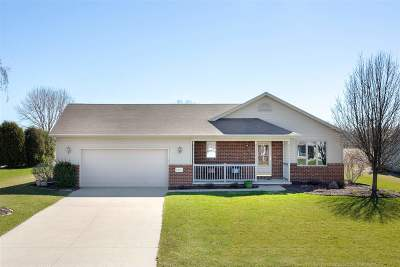Menasha Single Family Home Active-Offer No Bump: N8944 Lilac