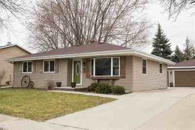 Kaukauna Single Family Home Active-Offer No Bump: 540 Frostfield