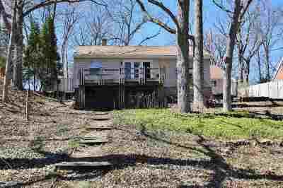 De Pere Single Family Home Active-Offer No Bump: 953 Lawton
