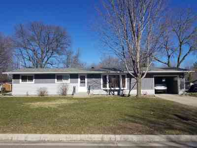 Shawano Single Family Home Active-No Offer: 934 S Cleveland