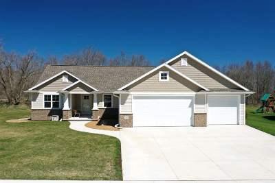 Oshkosh Single Family Home Active-Offer No Bump: 1050 Zacher