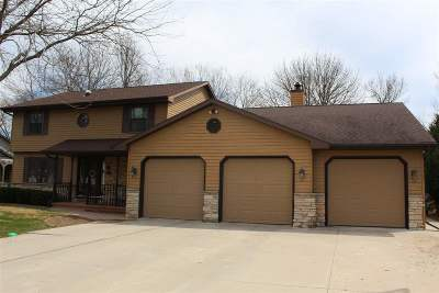 Neenah Single Family Home Active-Offer No Bump: 1317 Orchard