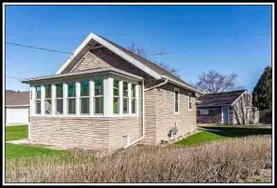 Menasha Single Family Home Active-Offer No Bump: 848 Plank