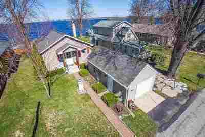 Oshkosh Single Family Home Active-Offer No Bump: 2919 Sunset Point