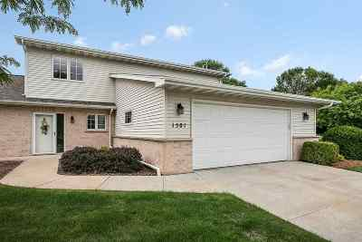Green Bay Condo/Townhouse Active-No Offer: 1501 River Pines