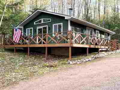 Oconto County Single Family Home Active-No Offer: 17109 W Chain Lake
