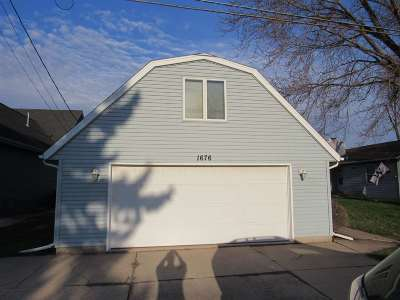 Menasha Single Family Home Active-Offer W/Bump-Show: 1676 Lakeshore