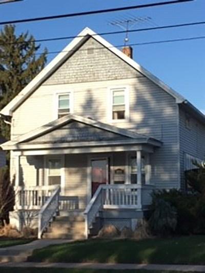 Oshkosh Single Family Home Active-Offer No Bump-Show: 1018 Knapp
