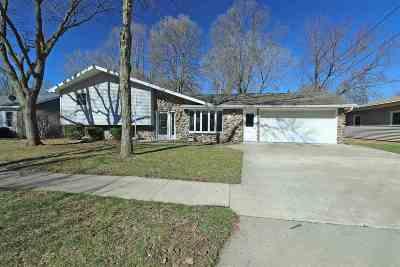 Kaukauna Single Family Home Active-No Offer: 517 Meadow