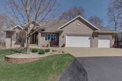 Oshkosh Single Family Home Active-Offer No Bump: 4298 Bellhaven