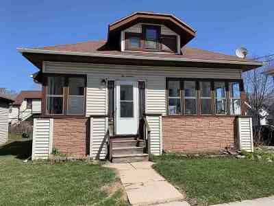 Little Chute Single Family Home Active-No Offer: 216 Canal