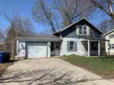 Little Chute Single Family Home Active-No Offer: 211 Taylor