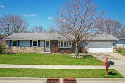 Kaukauna Single Family Home Active-Offer No Bump: 2809 Welhouse