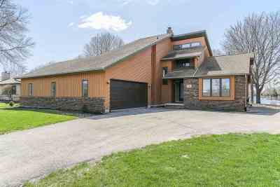 Oshkosh Single Family Home Active-Offer No Bump: 1845 Indian Point