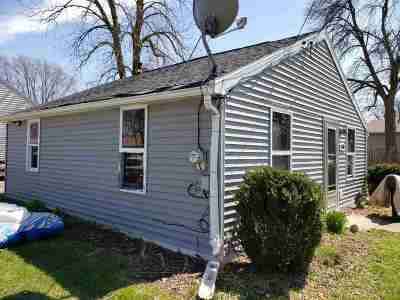Appleton Single Family Home Active-Offer No Bump: 2300 S Jackson
