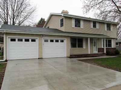 Neenah Single Family Home Active-Offer No Bump: 1139 Honeysuckle