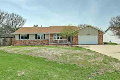 Neenah Single Family Home Active-Offer No Bump-Show: 2100 Redtail