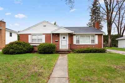 Neenah Single Family Home Active-Offer No Bump: 1049 Oak