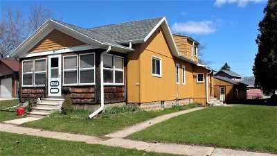 De Pere Single Family Home Active-Offer No Bump: 630 Reid
