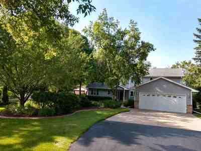 Menasha Single Family Home Active-No Offer: W5473 Mielke