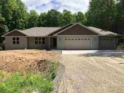 Oconto Falls Single Family Home Active-Offer No Bump: 4284 Timberline