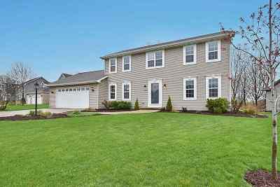 De Pere Single Family Home Active-Offer No Bump: 2028 E Higgins Hill