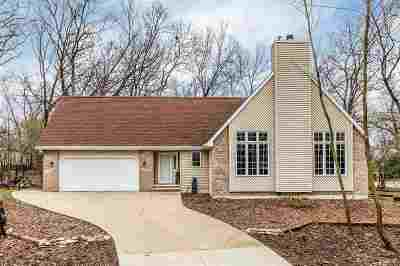 Neenah Single Family Home Active-Offer W/Bump-Show: 1025 Timber Run