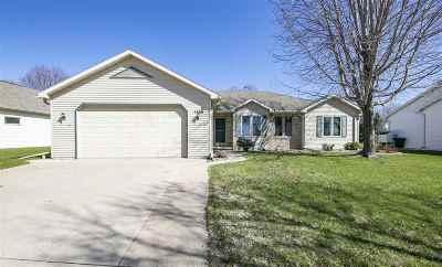 Appleton Single Family Home Active-No Offer: 1500 E Wyndmere