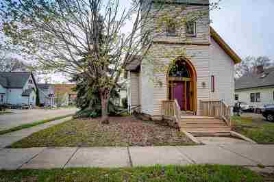 Neenah Single Family Home Active-No Offer: 304 Caroline